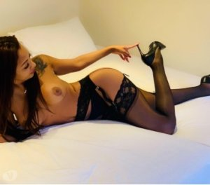 Alisya pregnant escorts in Johnstown